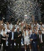 Halkbank şampiyonluk kupasını aldı