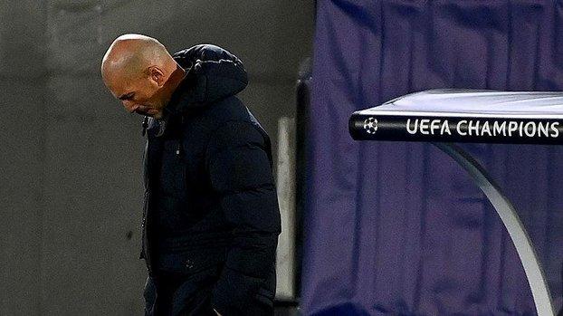 Real Madrid'de El Clasico öncesinde kriz! #