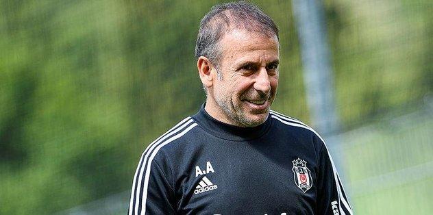 Beşiktaş'ta Abdullah Avcı'dan Millilere yakın takip