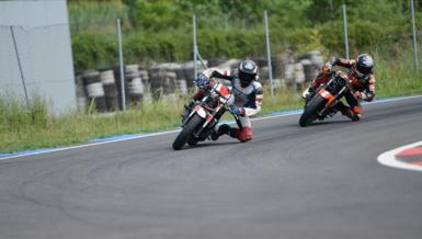 Milli motosikletçiler Bahattin Sofuoğlu ve Can Öncü Portekiz'de piste çıktı!