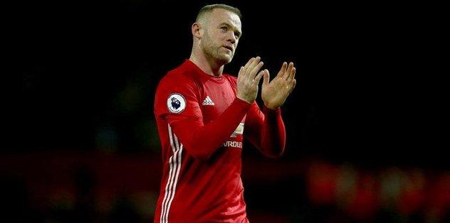 ManU'dan Rooney geçti