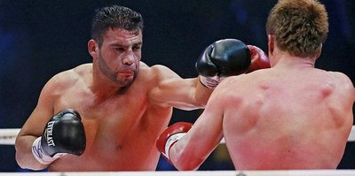 Suriyeli boksör, kemerini Erdoğan'a hediye etti