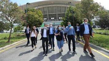 Manchester City ve Chelsea heyeti Olimpiyat Stadı'na geldi!