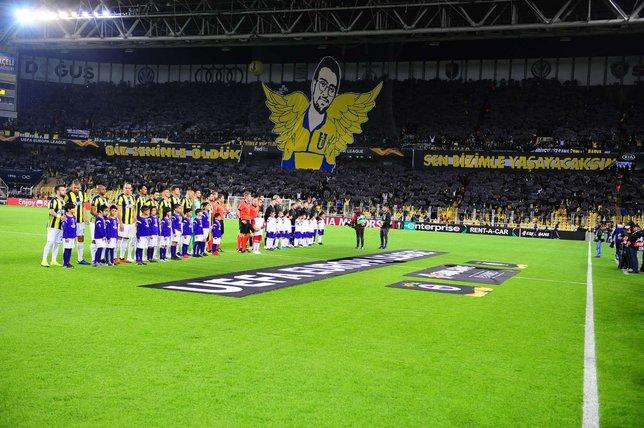 Fenerbahçe'den Koray Şener koreografisi
