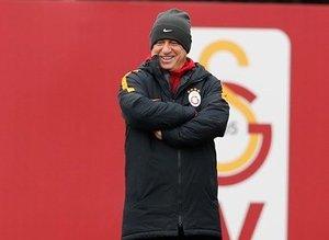 Galatasaray, Akhisar maçı hazırlıklarına başladı