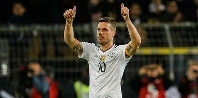 Almanya'da mart ayının golü Podolski'den