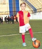 10 yaşındaki forvet Aslan'da