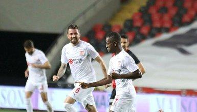 Son dakika spor haberi: Sivassporlu Max Gradel'in 10. gol sevinci
