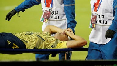 Broken leg expected to sideline Colombia defender Arias for six months