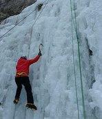"""Dünyaca ünlü dağcılar """"sakin kent""""teki buz tırmanışını sevdi"""