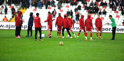 Sivasspor'da 4 futbolcu kampa götürülmedi