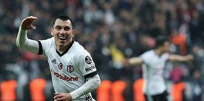 Medel, Beşiktaş forması altında ilk golüne imza attı