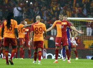 G.Saray-Karabük maçına sosyal medyadan ilginç tepkiler