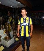Ve Fenerbahçe formasını giydi! Tarihi kareler...