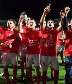 Umut Bozok'un takımı Nimes, Ligue 1'de