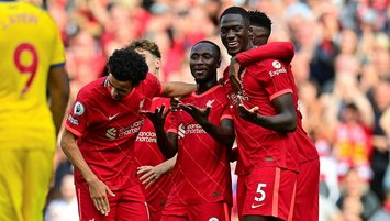 Liverpool evinde farka koştu! | GOLLERİ İZLE