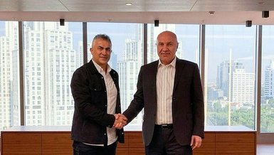 Samsunspor teknik direktör Mehmet Altıparmak ile sözleşme imzaladı
