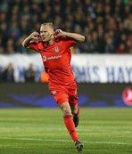 Domagoj Vida'dan Liverpool'un yıldızına: Come to Beşiktaş!