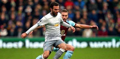 Mata, bir yıl daha United'da