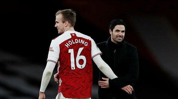 Arsenal renews Rob Holding's contract #