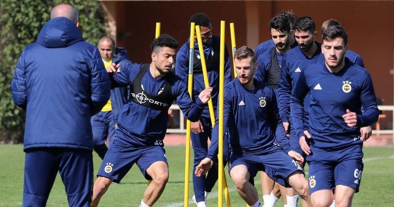 Fenerbahçe'de iki ayrılık! Bir transfer müjdesi