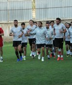 Elazığspor 17 futbolcuyla  Adana'ya gitti