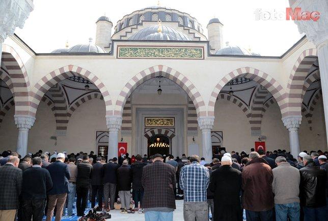 Cuma namazı İstanbul'da saat kaçta kılınacak? Cuma namazı kaç rekat?