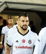 Beşiktaş Negredo ve Vagner Love'u gönderip eski golcüsünü alacak