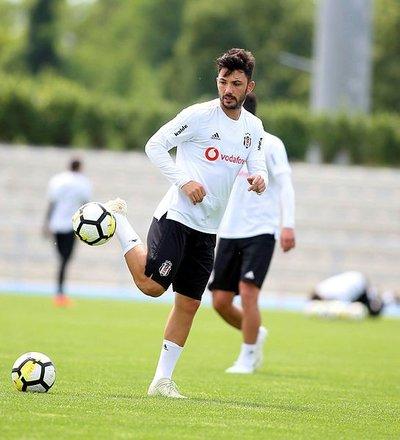 Beşiktaşlı Tolgay Arslandan Fenerbahçeye mesaj!
