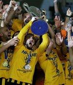 AEK, 24 yıl sonra şampiyonluğa ulaştı
