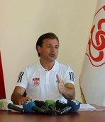 """Tamer Tuna: """"Sivasspor'da daha iyi bir sezon yaşamak için buradayım"""""""