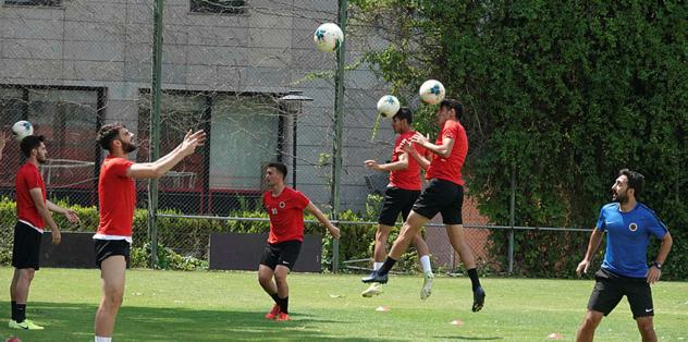 Göztepe siftah Gençler can derdinde - Futbol -