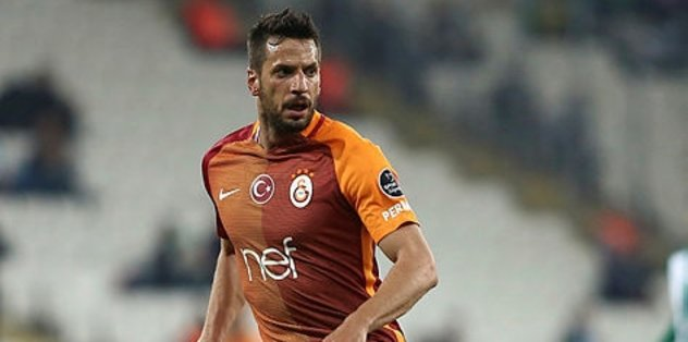 Galatasaraylı isim affediliyor!