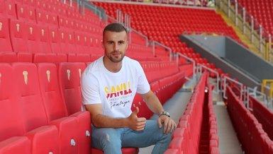Son dakika transfer haberi: Göztepe'de karar verildi! Mihojevic ve Burekovic takımda kalıyor
