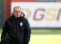 Galatasaray  Eliaquim Mangala'nın peşinde!