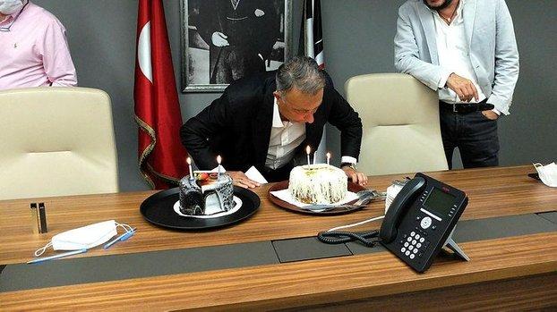 Başkan Çebi için sürpriz kutlama #
