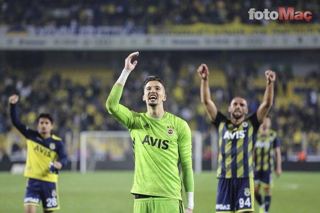 Fenerbahçeli Altay Bayındır ünlü şarkıcıya gönlünü kaptırdı