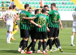 Akhisar - Kayserispor maçından kareler...