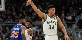 Giannis scores 37, leads Bucks win over Knicks
