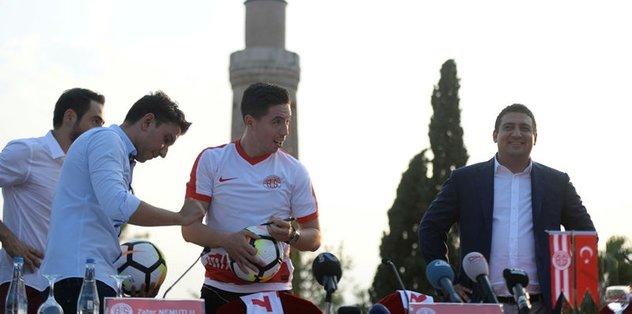 Samir Nasri: İstanbul kulüplerinden teklif aldım