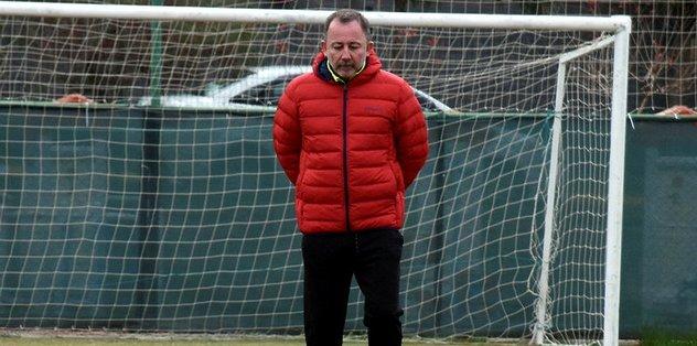 """Sergen Yalçın: """"Mutlaka 2 maçtan 4 puan almamız lazım"""""""
