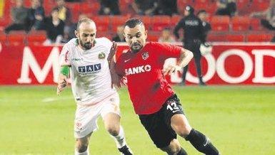 Alanyaspor ve Gaziantep FK Akdeniz'de 3 puan peşinde