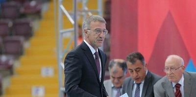 Trabzonspor'da Ahmet Ağaoğlu'nu zor bir dönem bekliyor