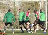 Aykut Kocaman Atiker Konyaspor'daki ilk antrenmanına çıktı