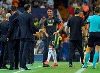 Cristiano Ronaldo kırmızı kart gördü, gözyaşlarını tutamadı!