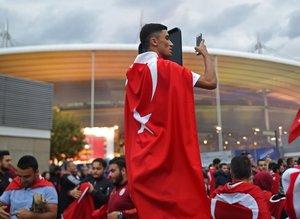 Türk taraftarlar statı dolduruyor! İşte ilk görüntüler