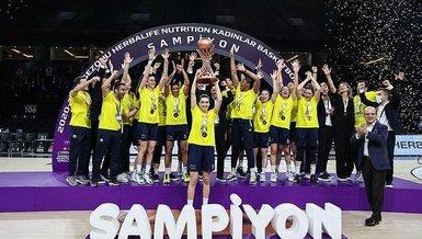 Fenerbahçe Öznur Kablo şampiyonluk kupasını aldı