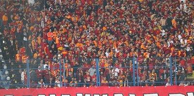 Galatasaray taraftarlarına teşekkür etti