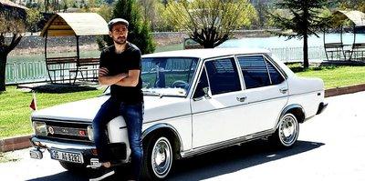 Malatyasporlu Rahman'ın eski model arabasına kentte büyük ilgi