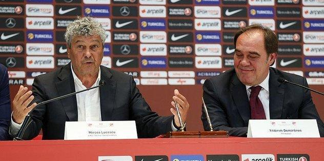 Turkish national football team signs Lucescu